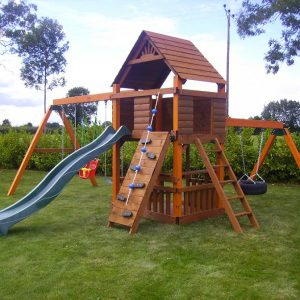 double story tree house tyre swing swings picnic table with bench
