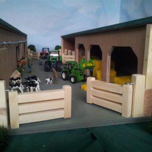 working toy farm hay shed machinery farm yard sttswings