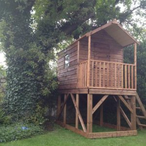 Deluxe Tree house childrens playhouse