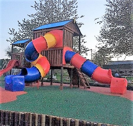 Commercial Straight and spiral tube slide climbing frame sttswings