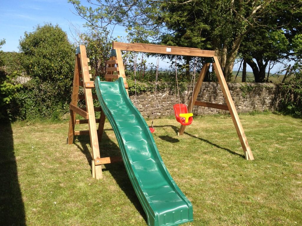 Swing & slide set  STT Swings