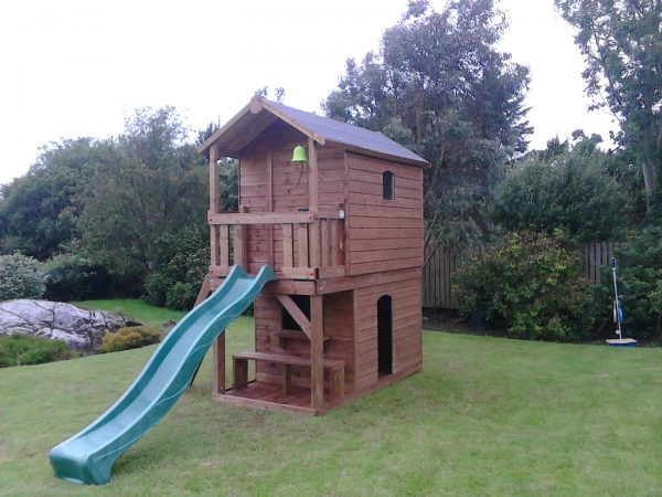 Deluxe tree house shop and bench veranda wave slide access ladder