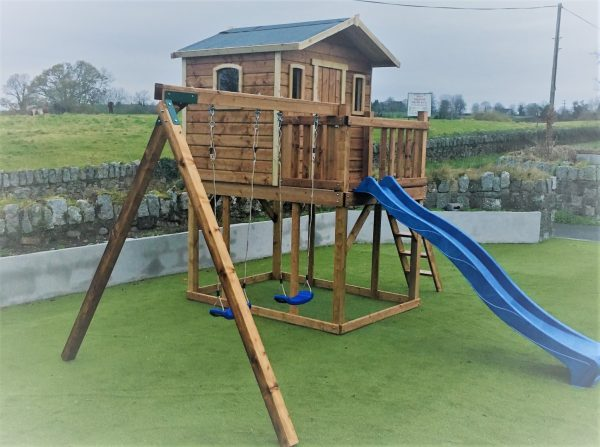 Wacky world tree house swings slide rockwall sttswings Ireland