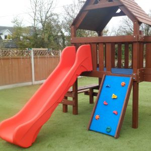 Single tower creche unit sttswings