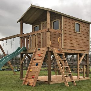 Supersized deluxe tree-house sttswings