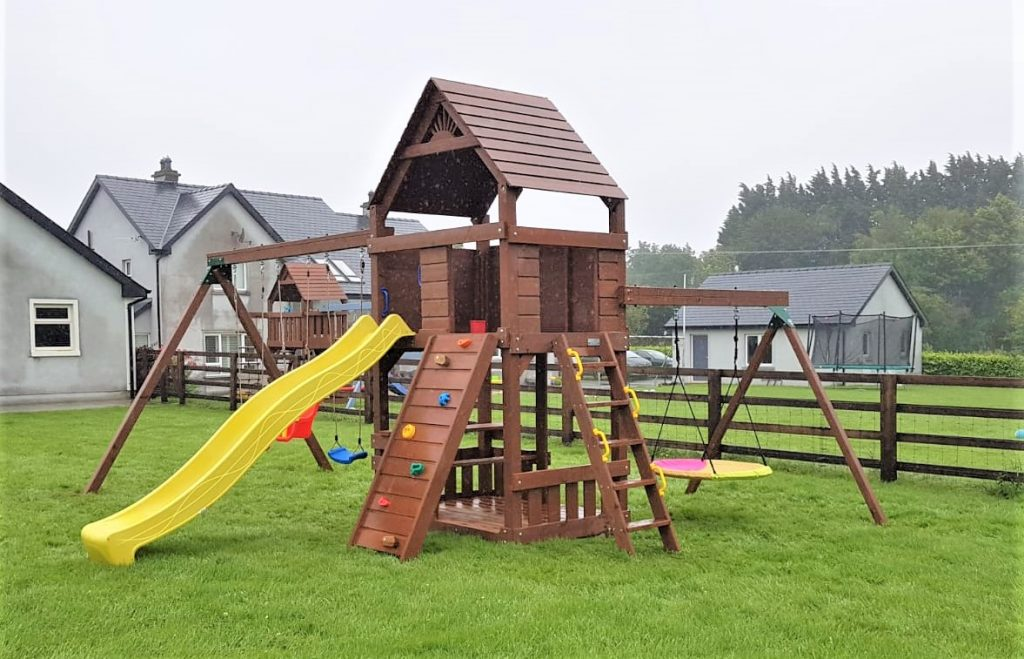 Chateau Deluxe with Nest Swing